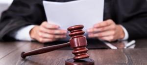 giudice-e-martelletto-890x395_c